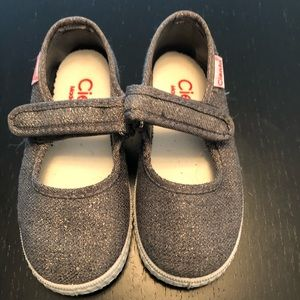 Cienta Pewter Glitter Shoes for Toddler